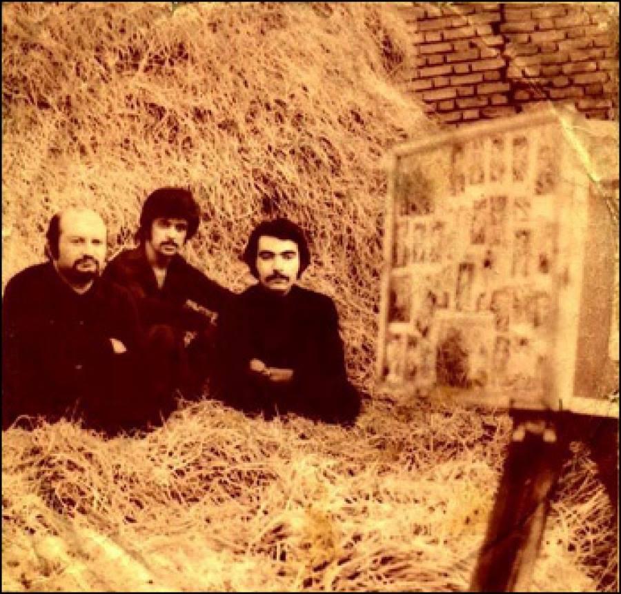 Fra venstre Varoujan, Dariush og Shahyar Ghanbari. Sammen med Iraj Jannatie Attaei, Farid Zoland og Ardalan Sarfaraz kom de til, at spille en stor rolle i musikkens verden i 1970'erne, og helt op til i dag.